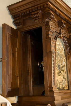 VR-566 Hood side door