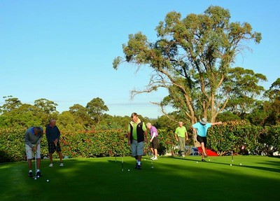 Fun on the practice green, prior to tee-off in the WSRVGA Inter-Club event at Springwood Country Club Blue Mountains Gazette (on-line edition) 24th April, 2018