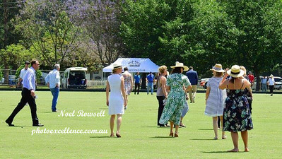 The crowd stomping the divots at the 2017 Polo World Championships Western News 10th November, 2017