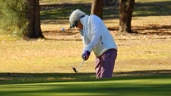 Elizabeth (Libby) Paynter (Springwood CC) in action during the WSRVGA Inter-Club event at Leonay GC Blue Mountains Gazette (on-line edition) 30th July, 2018