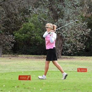 Gill Gordon (Leonay GC) in action during the WSRVGA Inter-Club at Dunheved GC on 1/10/19. Australian Senior Golfer 8th October, 2019