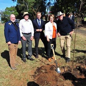 DG David Clark, The Hon. (Rob) Robert Gordon Stokes NSW Member for Pittwater & Minister for Planning & Public Spaces and Penrith City Mayor Karen McKeown OAM Nepean News 28th May, 2021