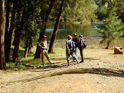 Two members of the Bass Sydney Fishing Club (left) discuss the health of the Nepean River with two Twitchers (bird-watchers) Nepean News 27th September, 2018