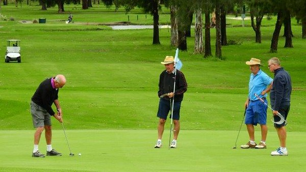 Keith Strathdee, Bob Chruszcz, Malcolm Dean and Arvi Ramaste Action from the 2017 NSWVGA  Stroke-Play Championships. The Senior Newspaper February edition, 2018
