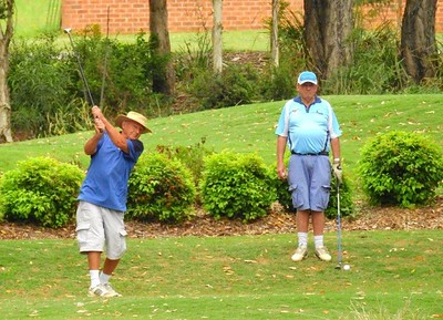 George Thompson (left) and Ron Thomas (both of Leonay GC) in action during the WSRVGA Inter-Club event at Glenmore Heritage Valley GC Nepean News 22nd November, 2018