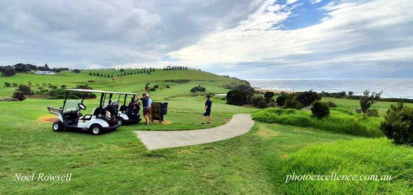 Action at Gerringong GC in the Volkswagen Scramble in March, 2021 Australian Senior Golfer March, 2021