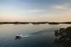 lake_horizon_boat