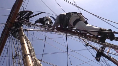 Crew climbing Hawaiian Cheftain's shrouds. Video by Jim Beer, TallSky Videography, Springfield, Ore. https://www.youtube.com/user/TallSky Except for brief excerpts for educational purposes or for news and information broadcasts or webcasts, this video may not be used for commercial purposes without the written consent of GHHSA.