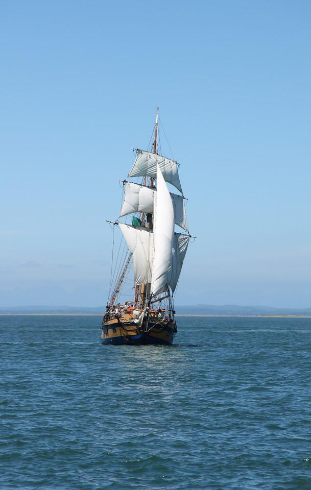 Hawaiian Chieftain under sail. Photo by Ron Arel, Coastal Images.