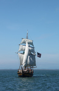 Hawaiian Chieftain under sail. Photo by Ron Arel, Coastal Images.