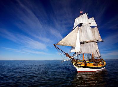 Lady Washington under sail. Photo by Thomas Hyde.