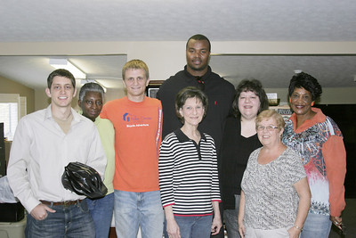 2011 03-18   Americus native Leonard Pope with Kansas City Chiefs visists Fuller Center headquarters in Americus, GA.  ff