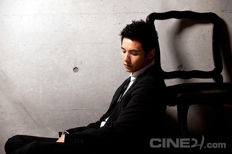 201008kr-cine21-18