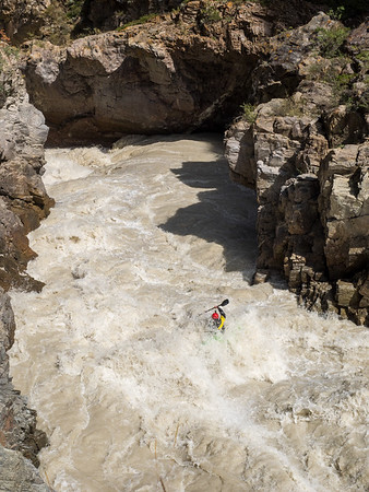 Sam Grafton heading into the crux rapid on the Big Naryn Gorge in Kyrgyzstan