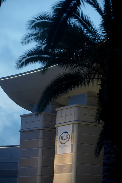Orlando, FL - ACC 2009 - Exterior views of the Orange Co. Convention center, site of the American College of Cardiology (ACC) meeting and i2 Summit here today, Saturday March 28, 2009. Over 25,000 physicians, researchers and care givers gathered at the Orange County Convention center to share the latest in cardiology treatments, research and care. Date: Saturday March 28, 2009 Photo by © Todd Buchanan 2009 Technical Questions: todd@toddbuchanan.com; Phone: 612-226-5154.