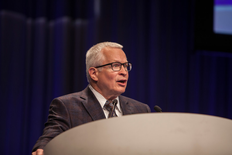 Chicago, IL - ASCO 2013 Annual Meeting: - Dr. Daniel D. Von Hoff presents his abstract  4004 at the American Society for Clinical Oncology (ASCO) Annual Meeting here today, Monday June 3, 2013.  Over 30,000 physicians, researchers and healthcare professionals from over 100 countries are attending the meeting which is being held at the McCormick Convention center and features the latest cancer research in the areas of basic and clinical science. Photo by © ASCO/Silas Crews 2013 Technical Questions: todd@toddbuchanan.com; ASCO Contact: photos@asco.org