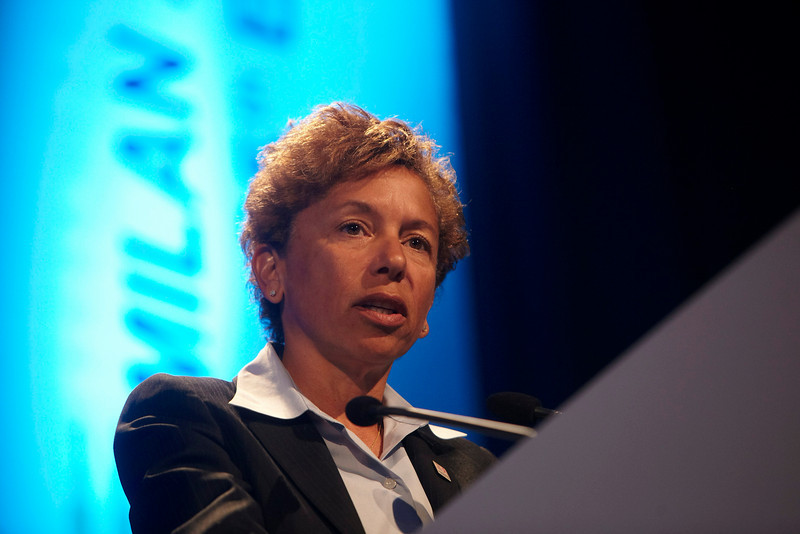 Milan,  - ESMO 2010 - Dr. Edith Perez addresses the Presidential Symposium here today, Monday October 11, 2010 during the European Society of Medical Oncology 2010 Congress. Photo by © Todd Buchanan 2010 Technical Questions: todd@toddbuchanan.com Phone: +1.612.226.5154