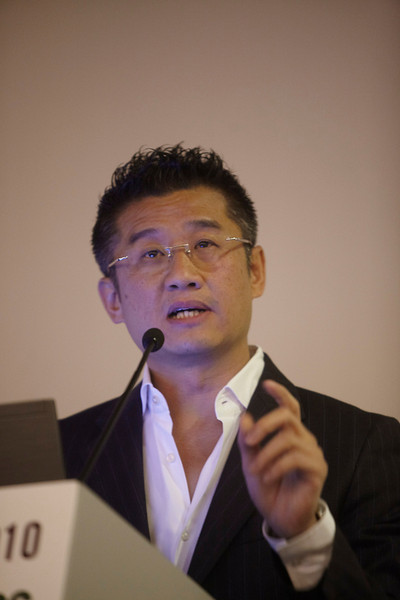 """Milan,  - ESMO 2010 - Dr. Tony Mok speaks at the Special Symposium: ESMO/CSCO Personalized medicine: """"Does ethnicity matter?"""" here today, Saturday October 9, 2010 during the European Society of Medical Oncology 2010 Congress. Photo by © Todd Buchanan 2010 Technical Questions: todd@toddbuchanan.com Phone: +1.612.226.5154"""