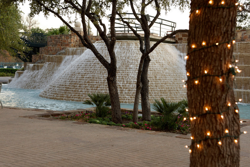 San Antonio, TX - SABCS 2008 San Antonio Breast Cancer Symposium: Gardens around the Tower of the Americas at the 2008 San Antonio Breast Cancer Symposium here today, Friday December 12, 2008. Over 8,000 Physicians, researchers and healthcare professionals from over 50 countries attended the meeting sponsored by American Association of Cancer Researchers (AACR) and the University of Texas, which features the latest research on Breast Cancer Treatment and Prevention. Date: Friday December 12, 2008 Photo by © SABCS/Todd Buchanan 2008 Technical Questions: todd@toddbuchanan.com; Phone: 612-226-5154.