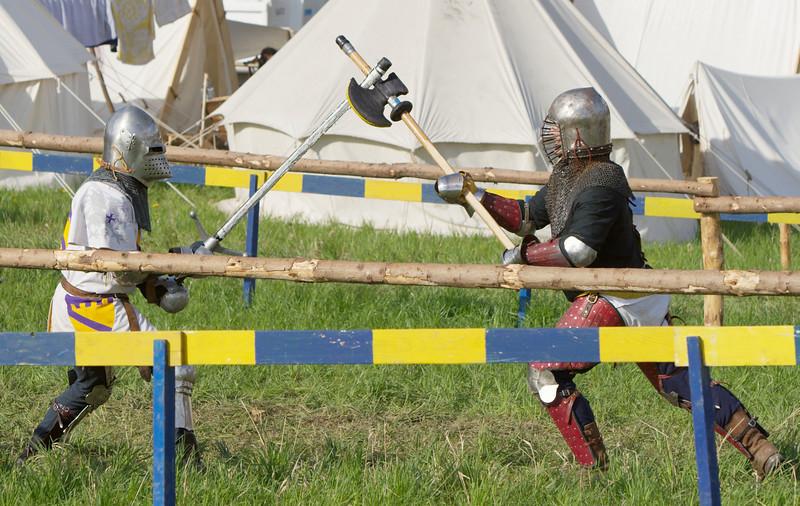 Bad luck: the sword has been caught by the halberd.
