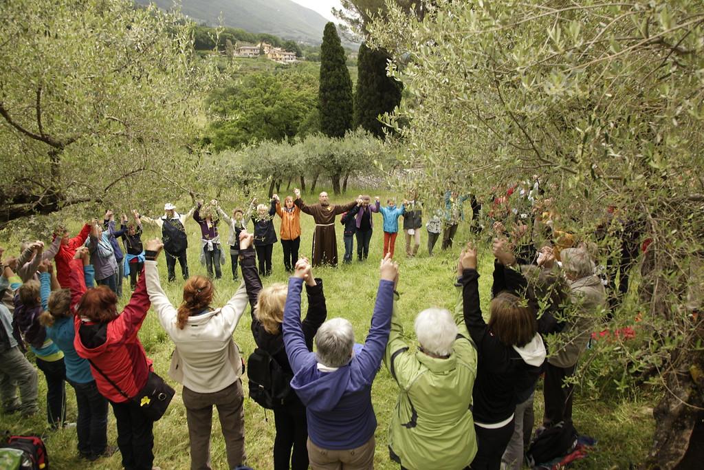 Segenskreis auf dem Olivenhain