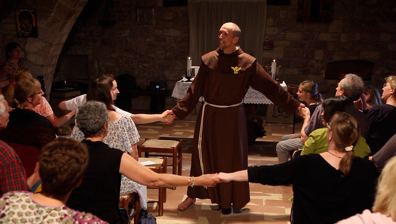 Barfuss tanzen in der Kirche