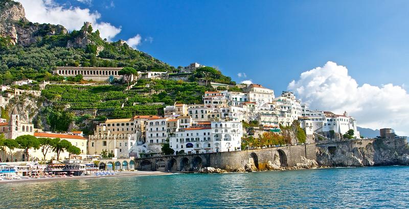 Maori.  Amalfi coast.