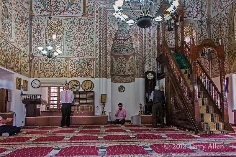 Interior-of-mosque,-Tirana,-Albania
