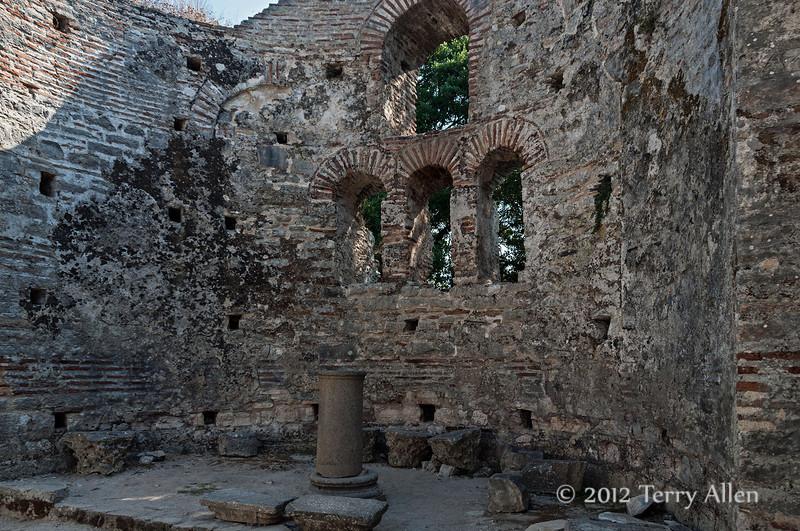 The-Great-Basilica-altar-6th-C,-Butrint,-Albania
