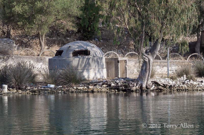 Vivari-Channel,-gun-emplacement,-Albania
