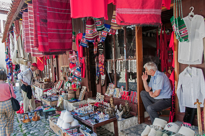 Bizarre-Bazaar-Market-3,-Kruja,-Albania