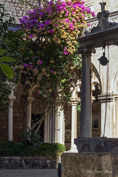 Courtyard-3,-Dominican-Monastery,-Dubrovnik,-Croatia