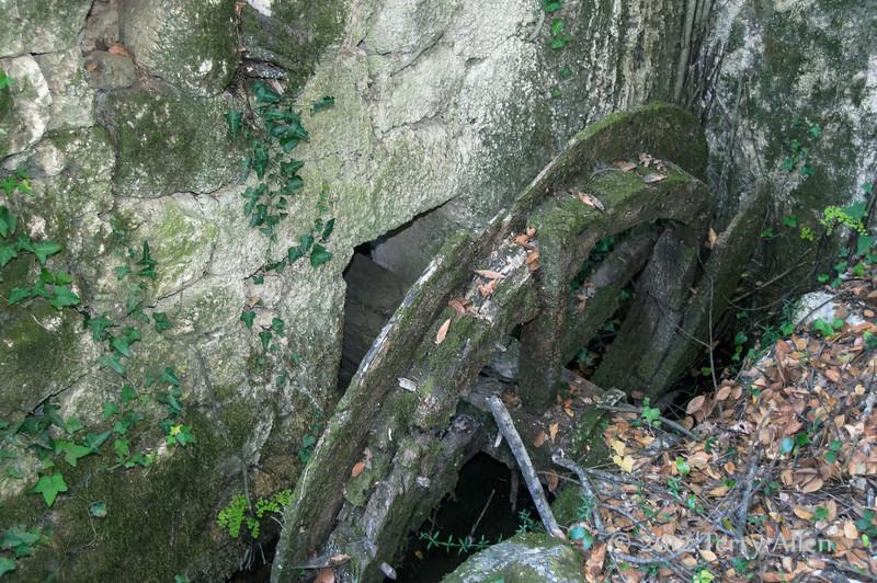 Old-mill-wheel,-Ljuta-River,-Konvale-region,-Croatia