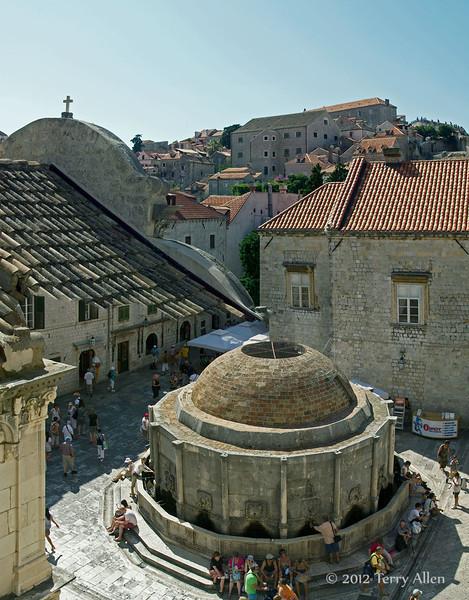 Onofrio-Fountain-(15thC),-Dubrovnik,-Croatia