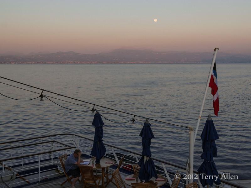 Pre-dawn-with-full-moon-1,-Gulf-of-Corinth,-Greece