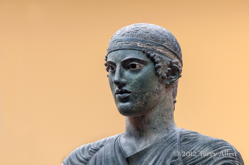 Bronze-charioteer-of-Delphi,close-up,-Delphi-Museum,-Greece