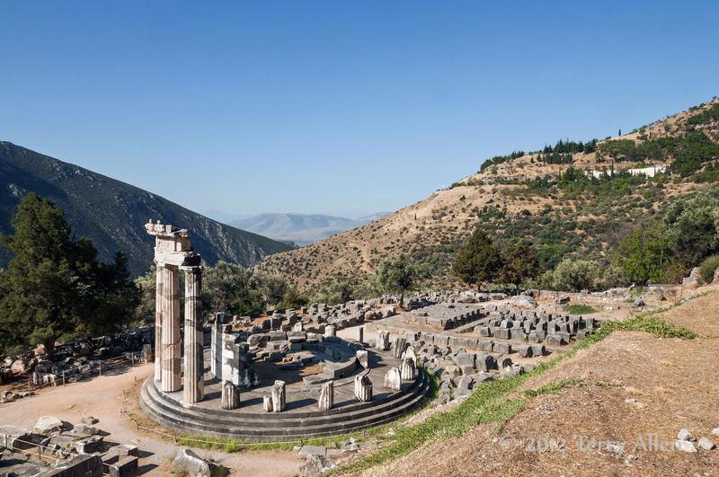 Tholos-of-Delphi-3,-Greece