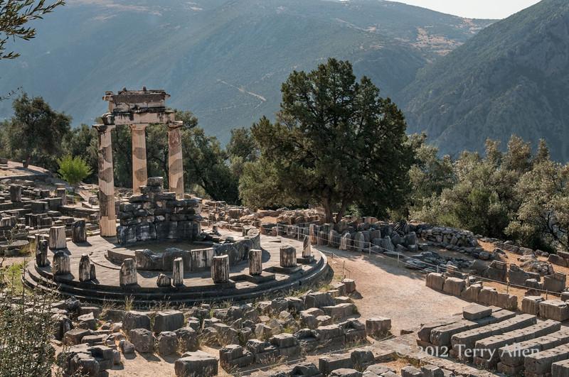 Tholos-of-Delphi-1,-Greece