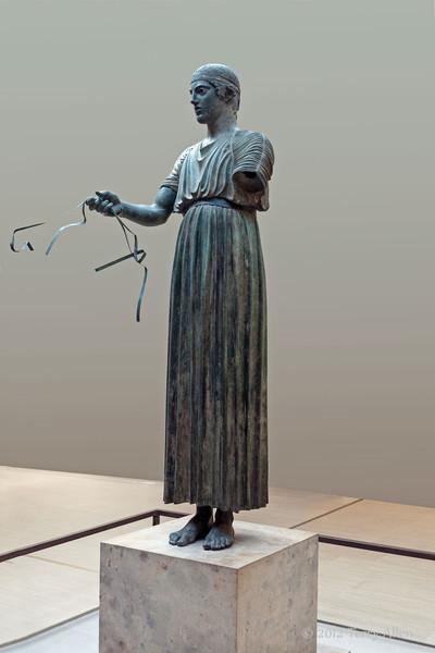 Bronze-charioteer-of-Delphi,-Delphi-Museum,-Greece