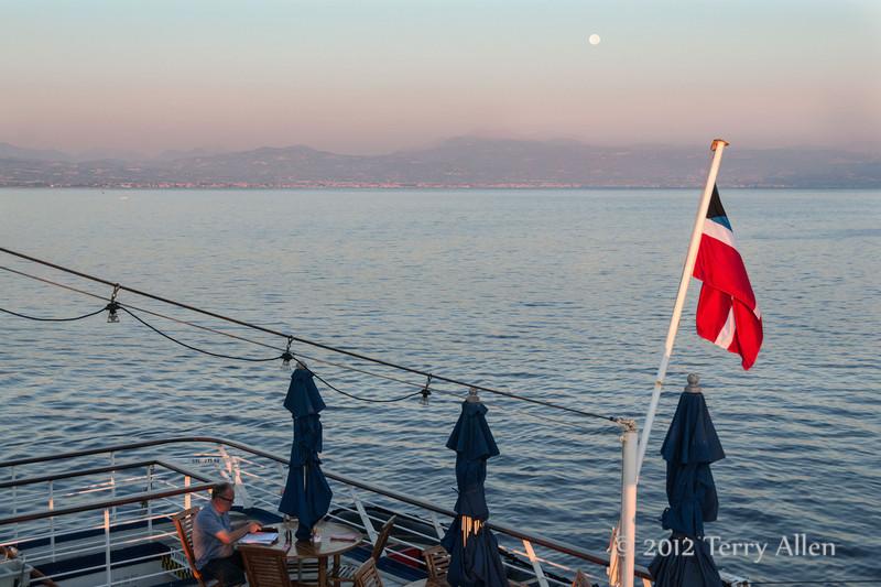 Pre-dawn-with-full-moon-2,-Gulf-of-Corinth,-Greece
