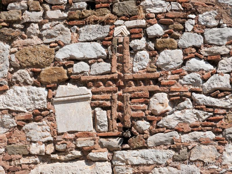 Stonework-detail,Byzantine-monastery-of-Osios-Louca,-Distomo,-Greece