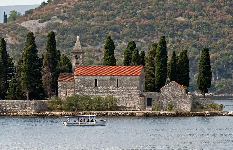 St-George-Island-&-monastery-2,-Kotor-Bay,-Montenegro
