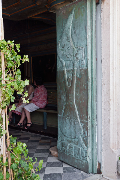 Bronze-door,-Our-Lady-of-the-Rock,-Kotor-Bay,-Montenegro