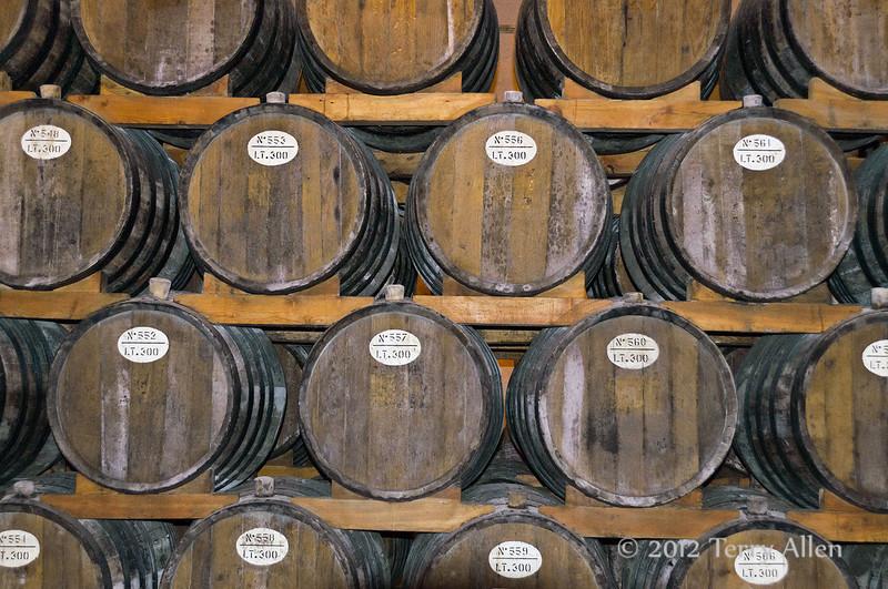 Marsala-wine-casks,-Cantine-Floria,-Marsala,-Sicily