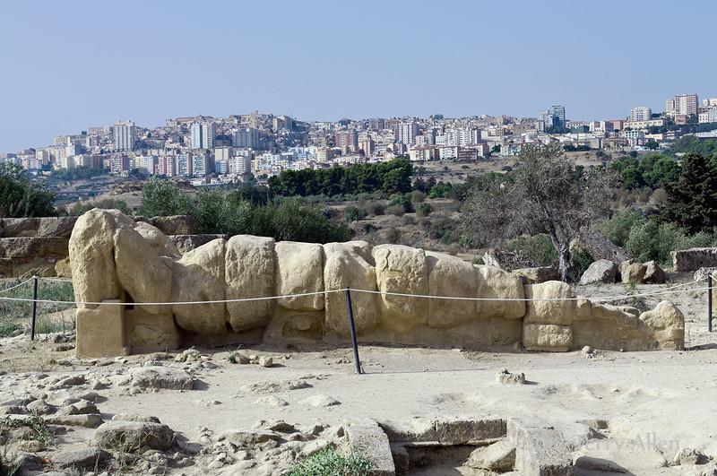 Atlas-telemon,-Temple-of-Olympian-Zeus,-Agrigento,-Sicily
