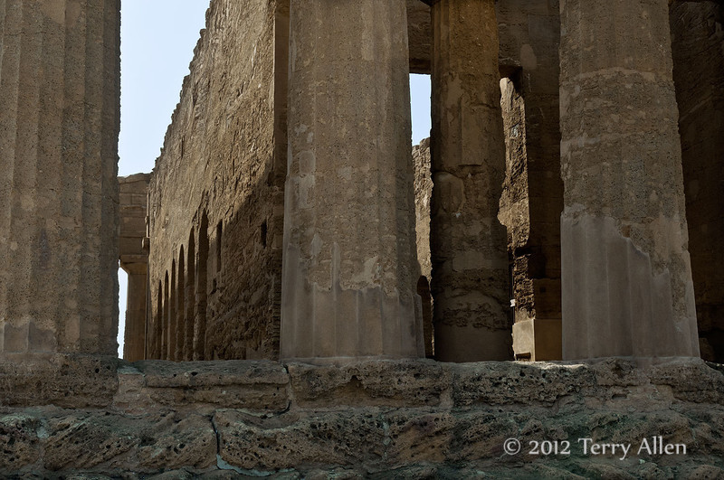 Temple-of-Concord,-with-6th-C-church-inside,-Agrigento,-Sicily