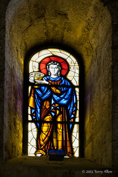Saint-Lucia-stained-glass,-Duomo,-Syrause,-Sicily