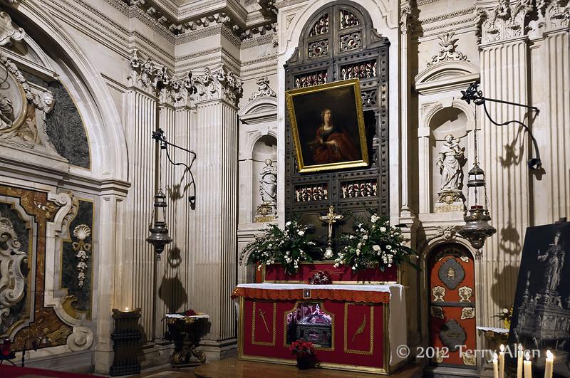 Altar-of-Saint-Lucia,-Duomo,-Syracuse,-Sicily