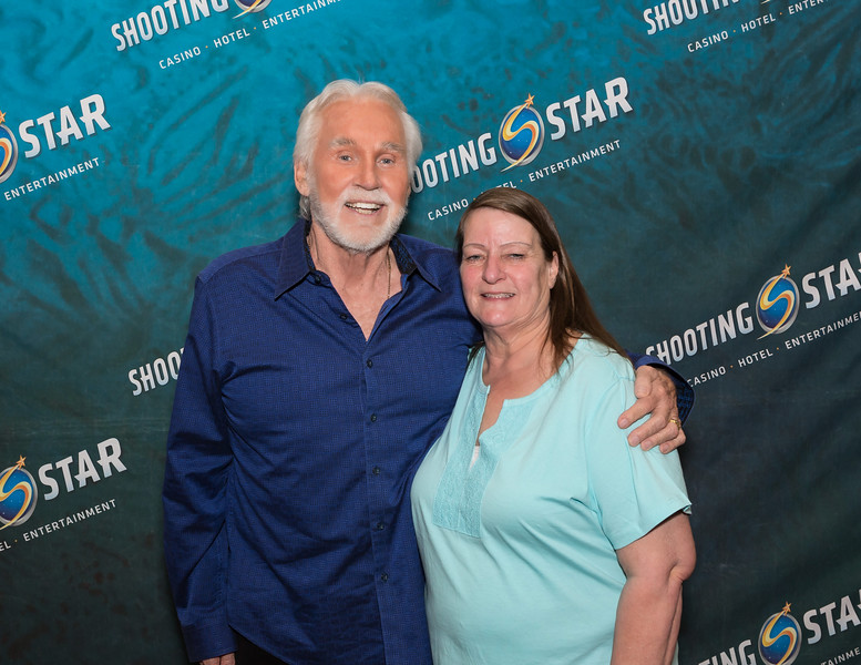 "Kenny Rogers Back Stage Meet & Greet  <a href=""http://www.randydormanphotography.com"">http://www.randydormanphotography.com</a> Kids & Choir Framed Photos 8x10"