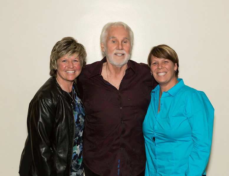 "Kenny Rogers Back Stage Meet & Greet  <a href=""http://www.randydormanphotography.com"">http://www.randydormanphotography.com</a><br /> <br /> Locate your photo...Click on thumbnail<br /> On large photo click to open full screen<br /> Bottom R corner L of BUY choose sizes<br /> From pop-up Choose ""X-Large"" R click<br /> on image choose ""save image as""<br /> To purchase click ""Buy""<br /> Select a size and click ""Checkout"""